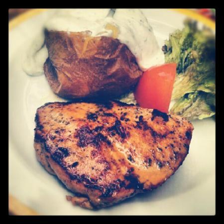 MAREDO Steakhouse Berlin Gedächtniskirche: Papa e pollo