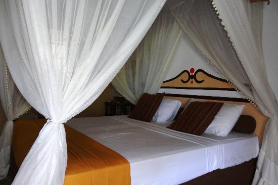 Karafuu Beach Resort and Spa: Chambre