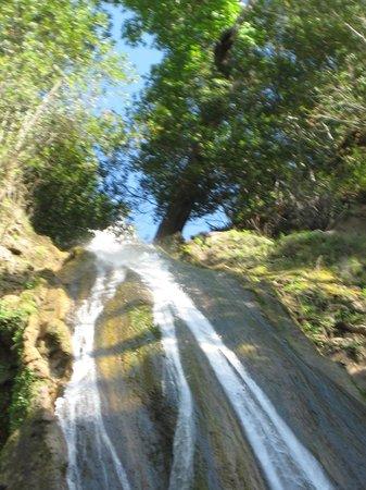 Nojoqui Falls Park: The top of the falls