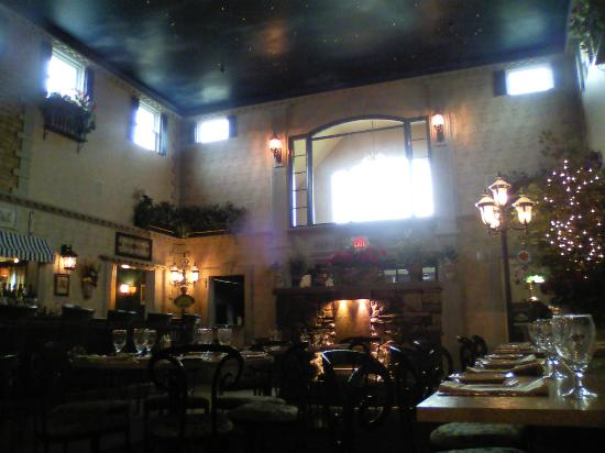 Gorgeous decor and atmosphere picture of bella luna