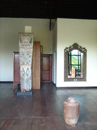 Lautan Kupu - Kupu Villas: Nice interior