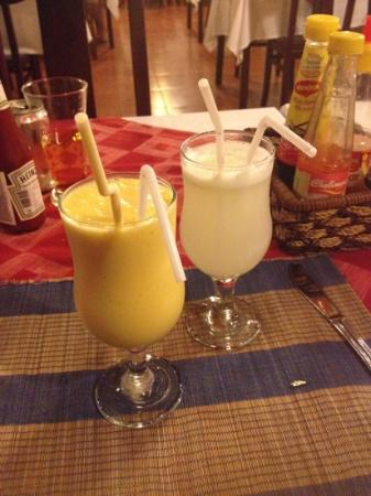 Mango Restaurant: Mango & lemon fresh juices