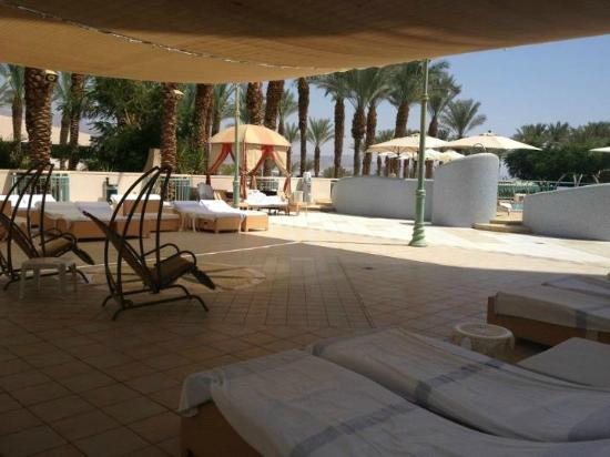 Herods Vitalis Spa Hotel Eilat: The pool - relaxation area