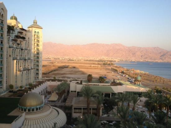 Herods Vitalis Spa Hotel Eilat: The view to Egypt from our room