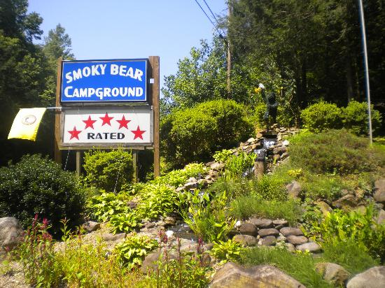 Smoky Bear Campground & RV Park: Front entrance of the Campground