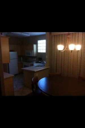 Scottsdale Links Resort: Living Area / Kitchen