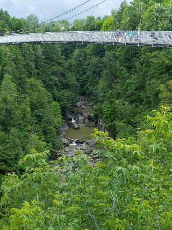 Parc de la Gorge de Coaticook: The Suspension Bridge over the Coaticook River Gorge.