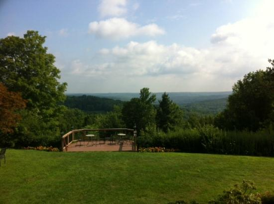The French Manor Inn and Spa: Lovely view from terrance at breakfast