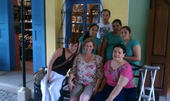 Yat B'alam Boutique Hotel: Rina & her staff