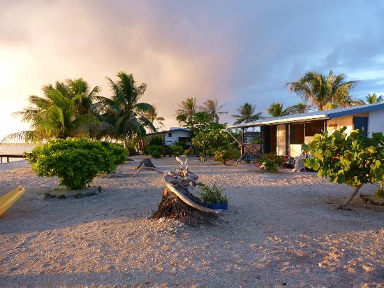 Nanihi Paradise: Soleil sur le faré
