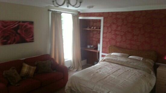 Coachman Inn: bedroom