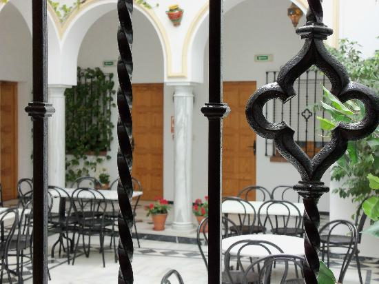 Los Omeyas Hotel: Patio Cordobés