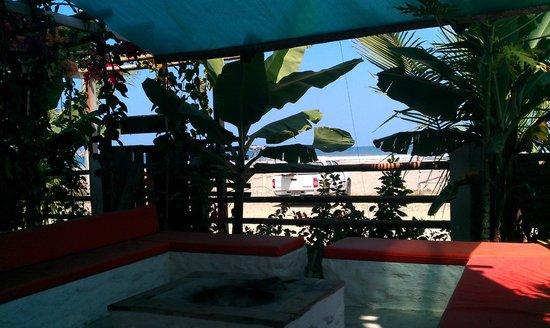 La Casa Hostel: Ocean view, fire place/bbq