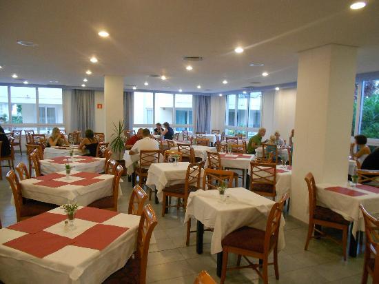 Insotel Club Cala Ratjada: Salle à manger intérieure