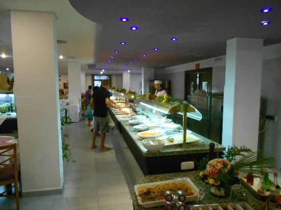 Insotel Club Cala Ratjada: Buffet chaud