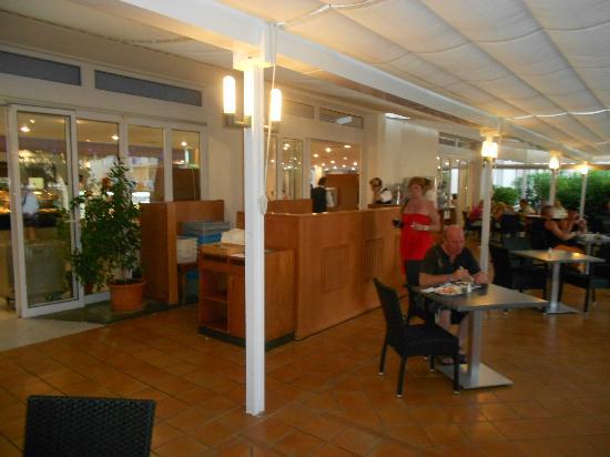 Club Hotel Cala Ratjada: Salle extérieur (appenti)