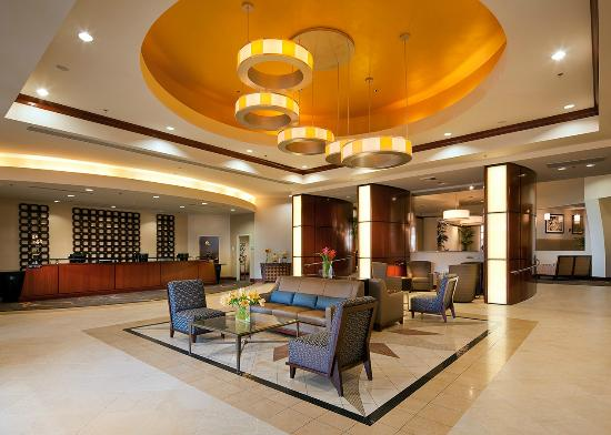 Sheraton Agoura Hills Hotel: Main Entrance - recently completed $6 million renovation in all public areas