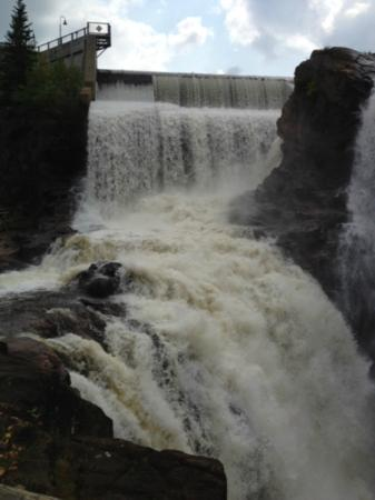 Les Sept-Chutes : Picture of falls at Sept-Chutes