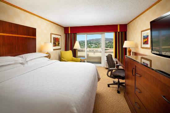 Sheraton Agoura Hills Hotel: Guestroom - King