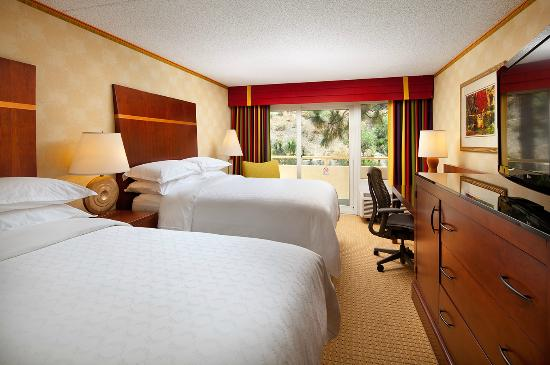 Sheraton Agoura Hills Hotel: Guestroom - double beds