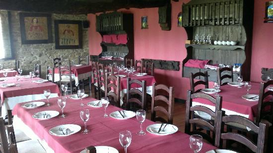 Pola de Lena, Hiszpania: Comedor Restaurante Vía Carisa