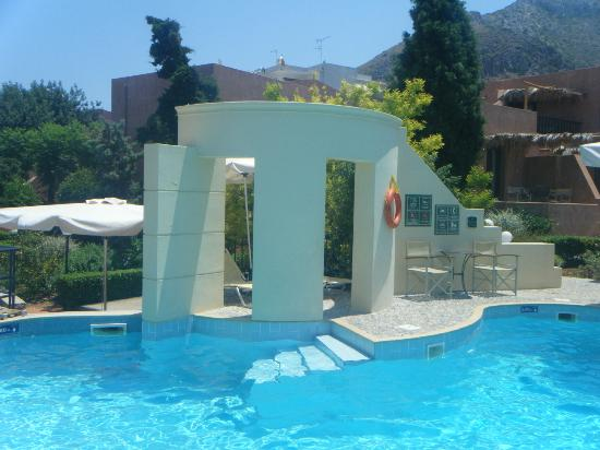 Κoutouloufari Village Holiday Club : Pool area