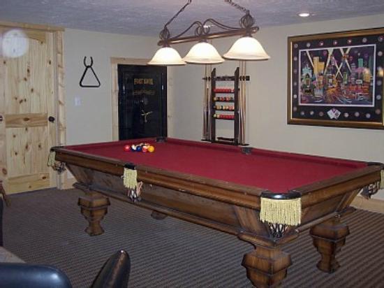 Fish Hawk Flats : Pool Table