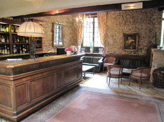 Chateau de Perigny: bar