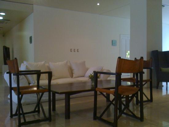 Loi Suites Recoleta Hotel: LOBBY