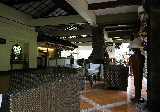 Waterfront Insular Hotel Davao: Hall