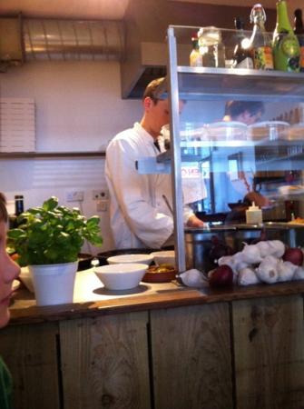 Elan Pizzeria: open plan kitchen