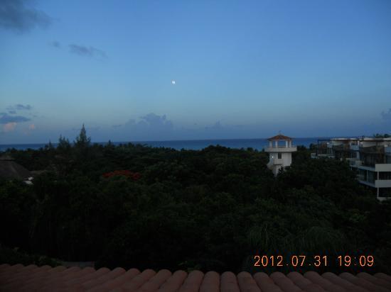 Riviera Maya Suites: Vista desde la azotea del hotel 