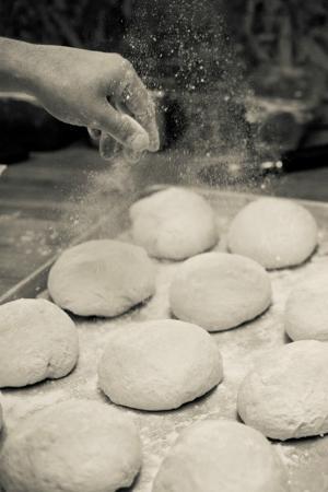 Mio Bistro Mobile: Making fresh bread