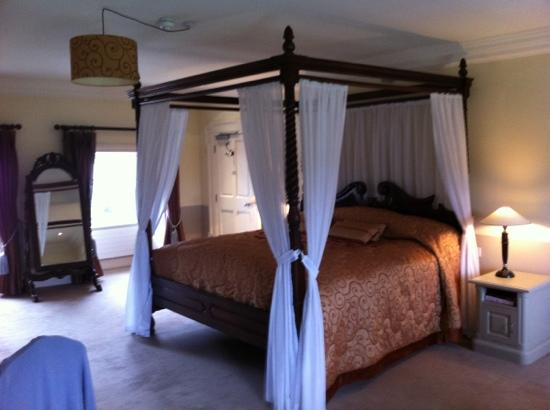 Enniscorthy, Ireland: 18c suite bedroom