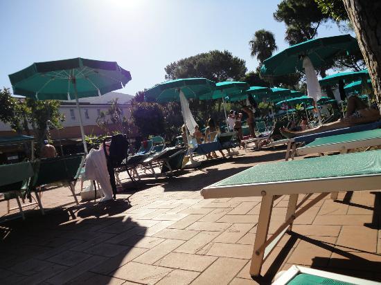 Grand Hotel delle Terme Re Ferdinando: piscina termale esterna