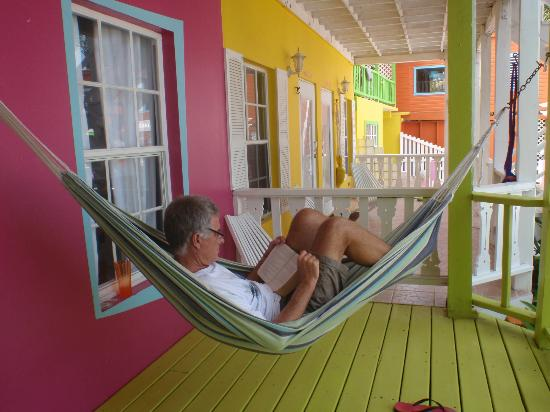 Kokomo Beach Suites: Outside Suite #2