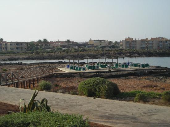 Universal Hotel Romantica: Plateforme de l'hôtel en bord de mer