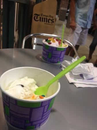 Yogurt Mountain: yummy!!!