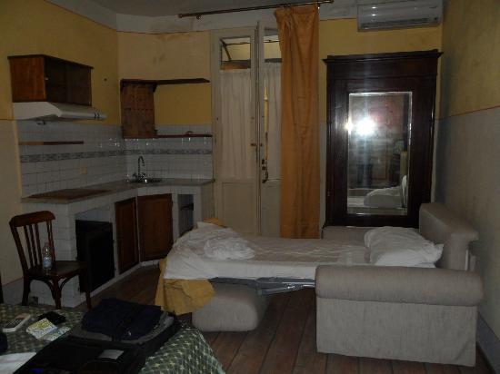 Hotel Azzi - Locanda degli Artisti: camera