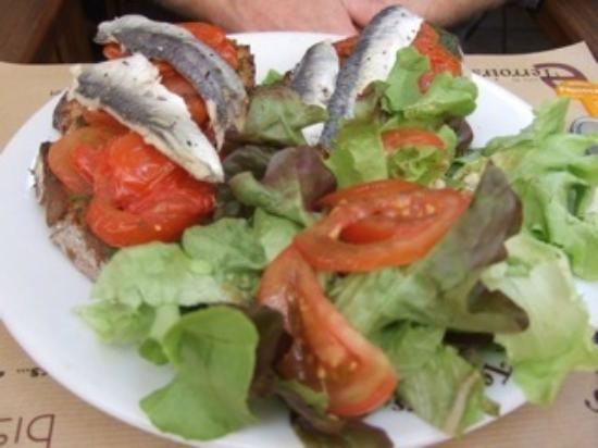 Restaurant Terroirs : Tartine with sardines and tomatoes