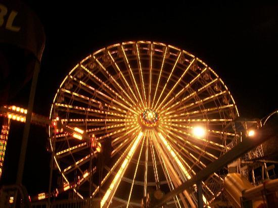 Gillian's Wonderland Pier: The Skywheel at night