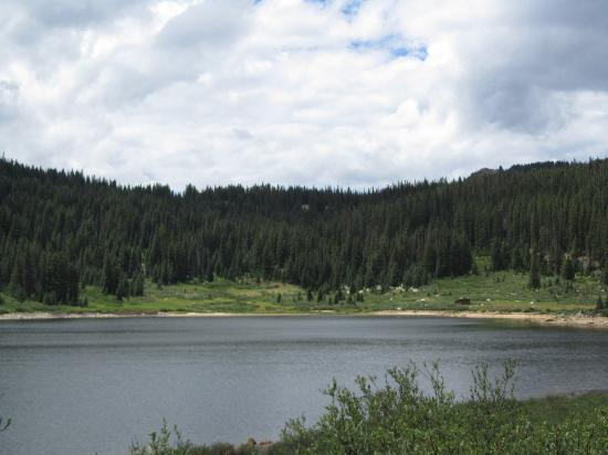 Roaring Fork Valley: Lake along the road