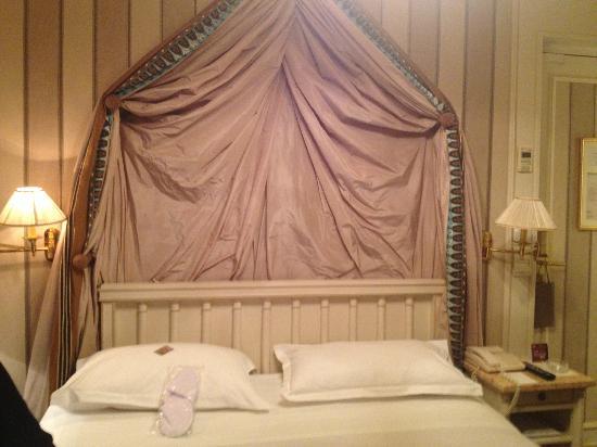 Hotel Napoleon Paris: La chambre