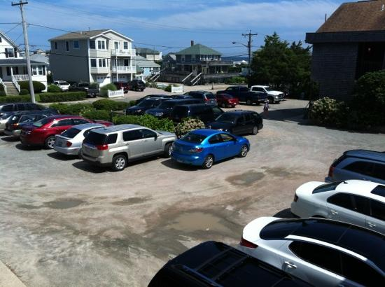 Atlantic Inn Resort: always over parking just stupid