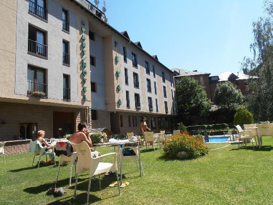 ApartHotel PEY: Jardines