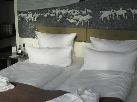 Oversum - Vital Resort Winterberg: Zimmer 406 - mit Balkon