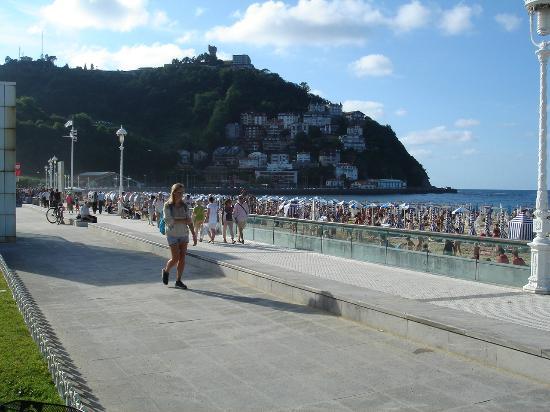 Ondarreta Beach: Playa de Ondarreta