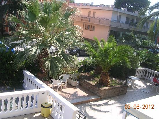 Hotel Rivadoro : giardino