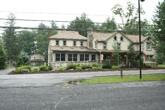 Woodfield Manor, a Sundance Vacations Resort: The front of Woodfield Manor