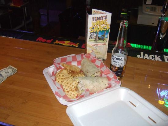 Teddy's Wing Shack: Chicken Caesar Wrap
